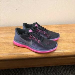 NEW Nike Flex Run Pink Black